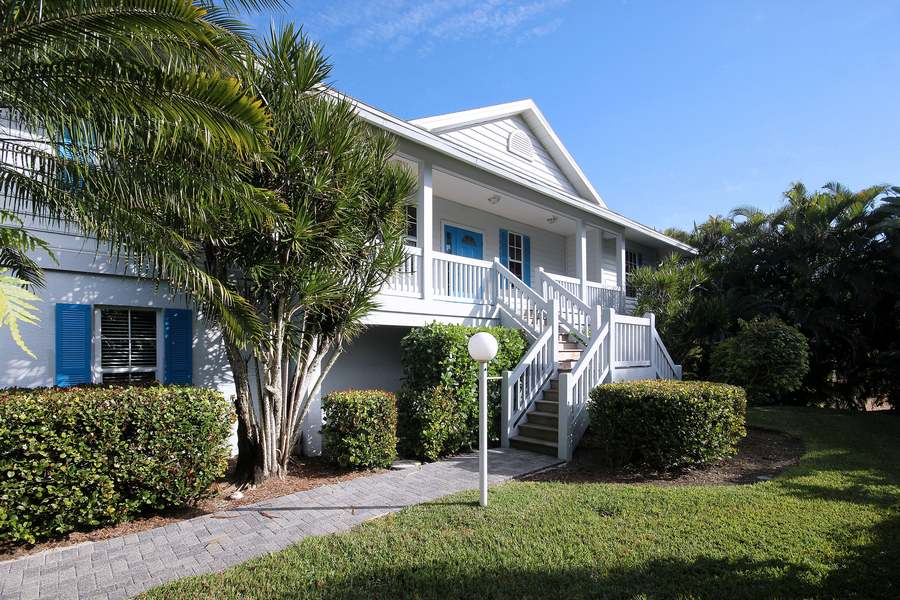 for beachfront on beachside rental rent cottage the cottages island sanibel beach