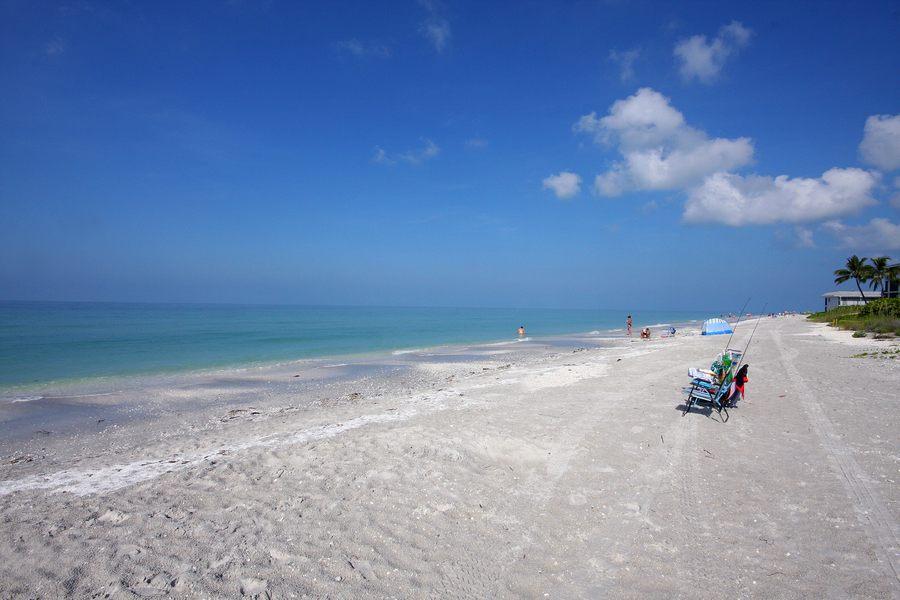 Hotels Near Sanibel Beach